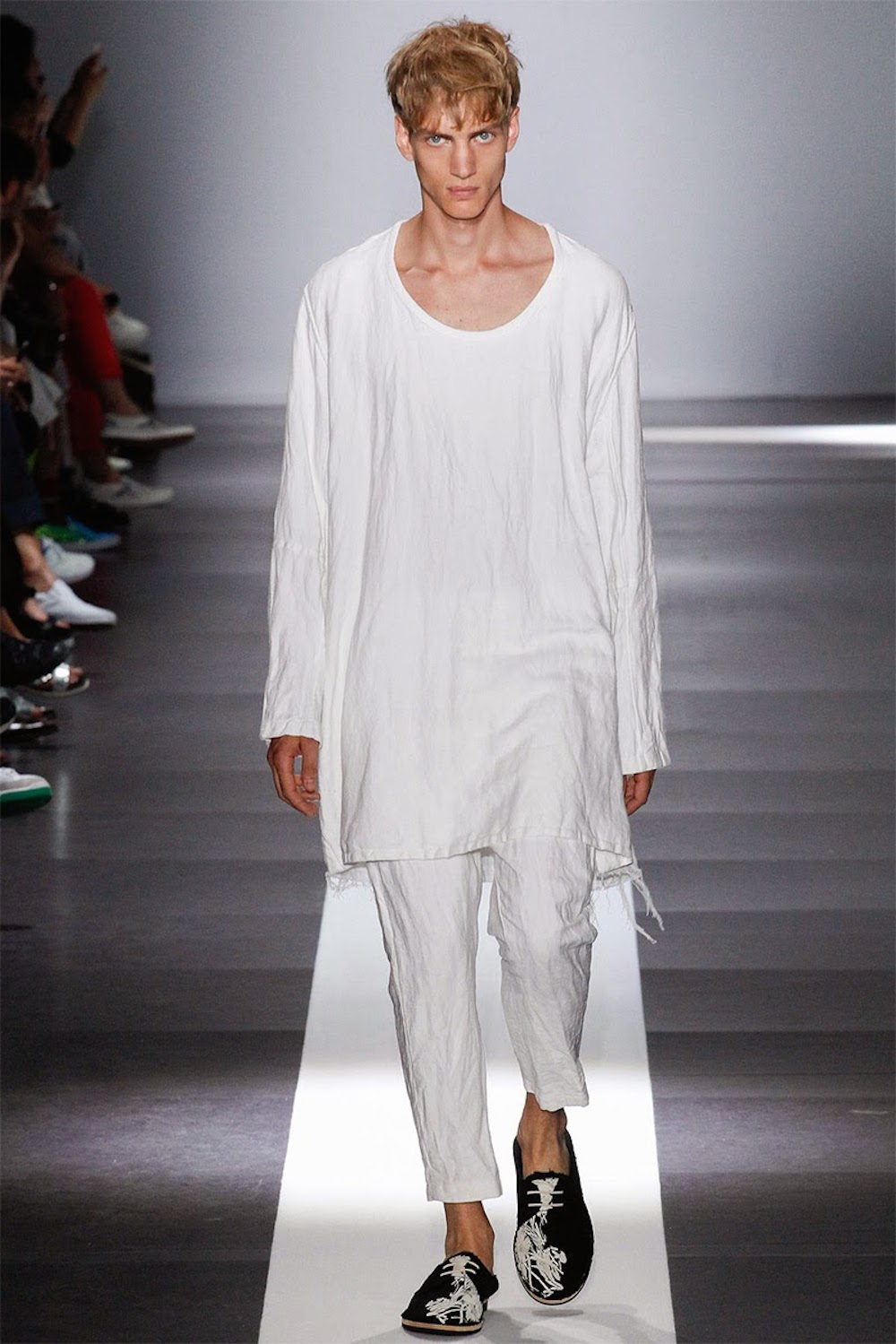 ANN-DEMEULEMEESTER-SPRING-SUMMER-2015-MENS-TRENDS-FASHION_06