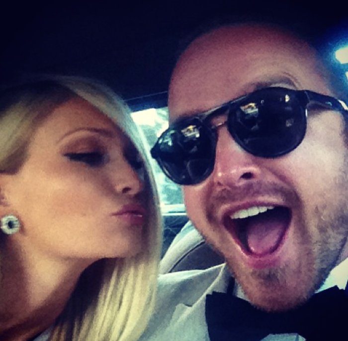 12 Lessons All Men Could Learn From Aaron Paul - Take A Selfie While Smiling