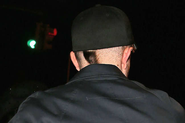 12-robert-pattinson-hair-rat-tail-1.w529.h352.2x