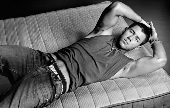 Nick-Jonas-Flaunt5