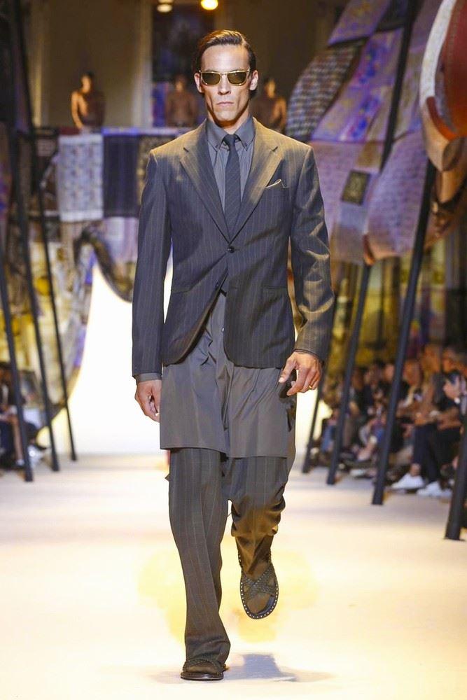 versace-spring-summer-2016-milan-fashion-week-02