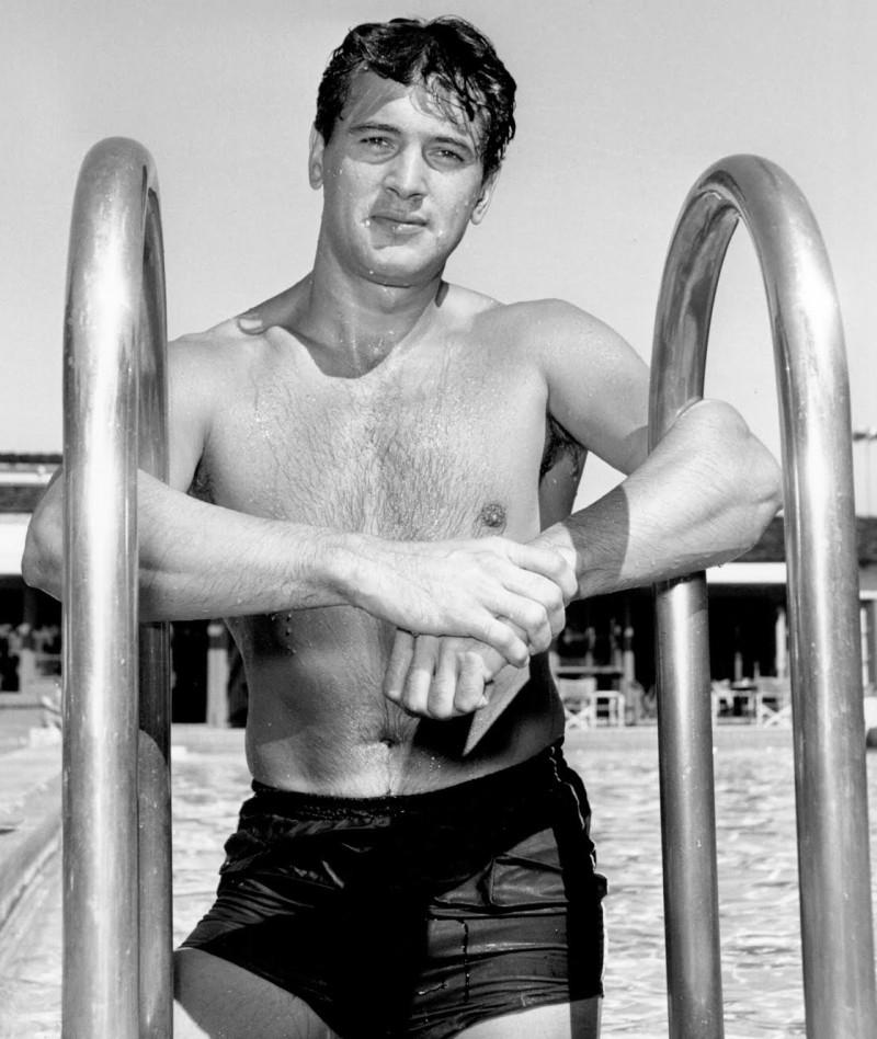 Rock-Hudson-Shirtless-Swim-Shorts-Picture-800x948